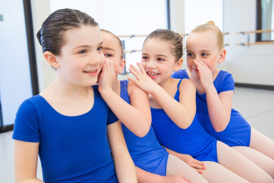 Efektywna komunikacja – jak można ją doskonalić u dzieci?