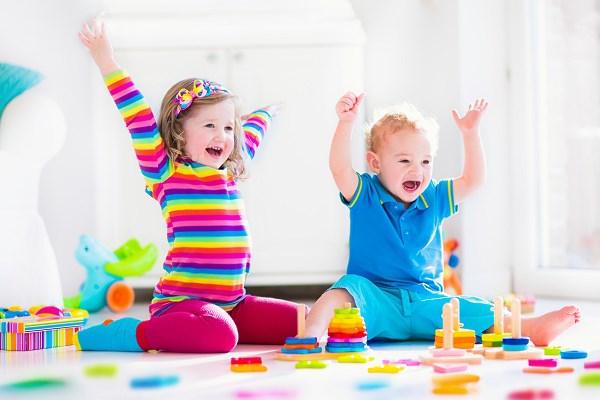 Pozwól dziecku się bawić! O roli zabawy w życiu dziecka – Pod Słonkiem